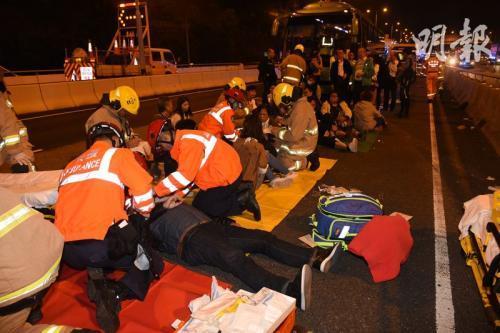 香港青衣车祸:国泰航空确认涉事巴士载有集团员工
