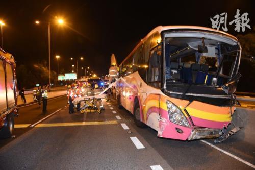 香港青衣严重车祸事故:肇事司机62岁正上夜班