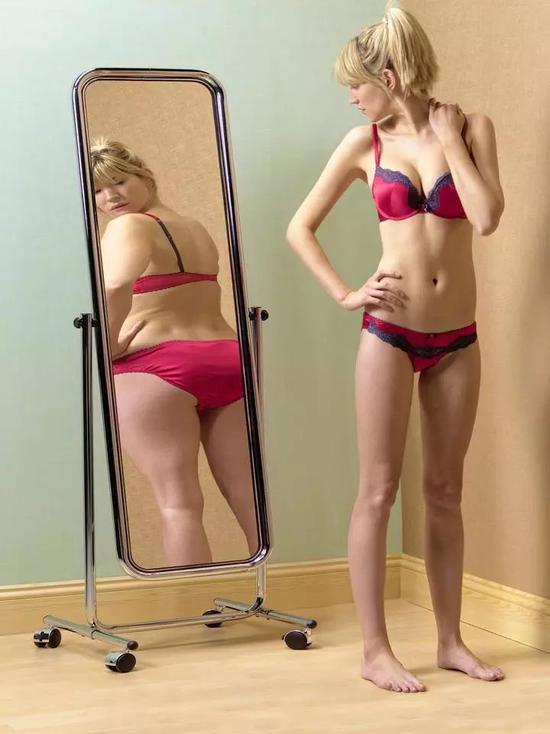 17岁姑娘节食减肥 一个月内反而重了30斤