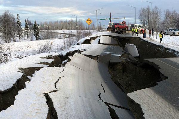 美国阿拉斯加南部发生7.2级地震