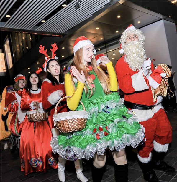 """在圣诞小镇里潮玩 三里屯太古里开启""""玩•美""""圣诞季"""