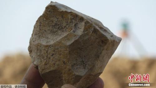 考古发掘新成果:阿尔及利亚出土240万年前工具