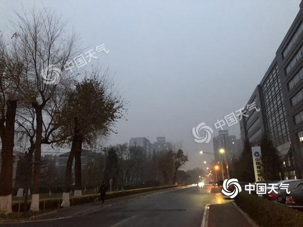 大雾致北京四条高速封闭 下周冷空气频袭