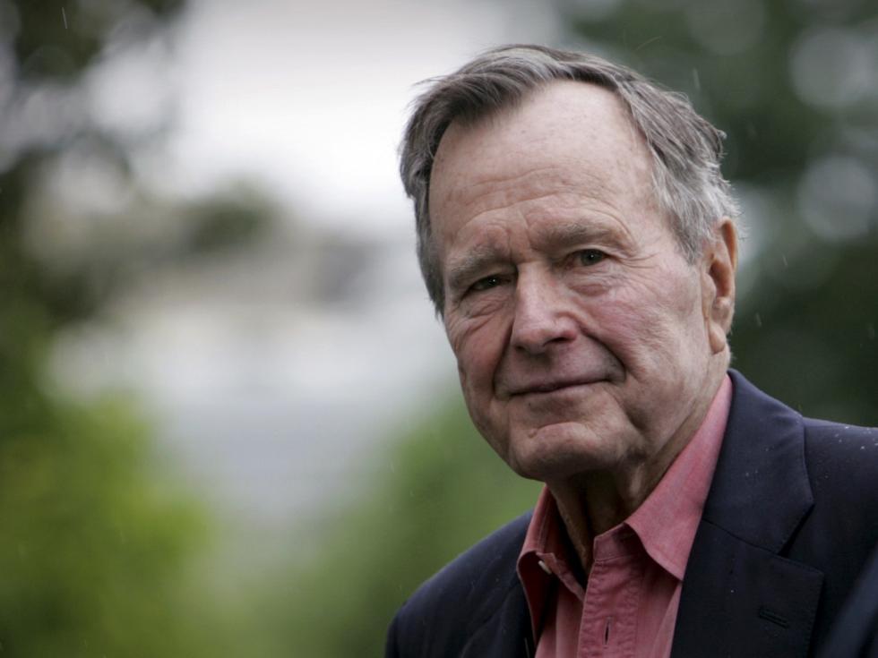 老布什临终前最后一句话说了这四个字,留给了他