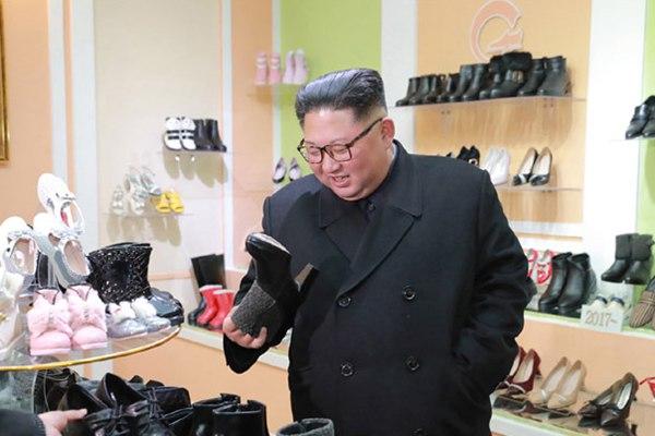 金正恩视察朝鲜制鞋厂样板元山皮鞋厂