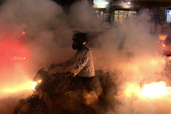 印度:用烟熏消毒防止蚊子传播疾病