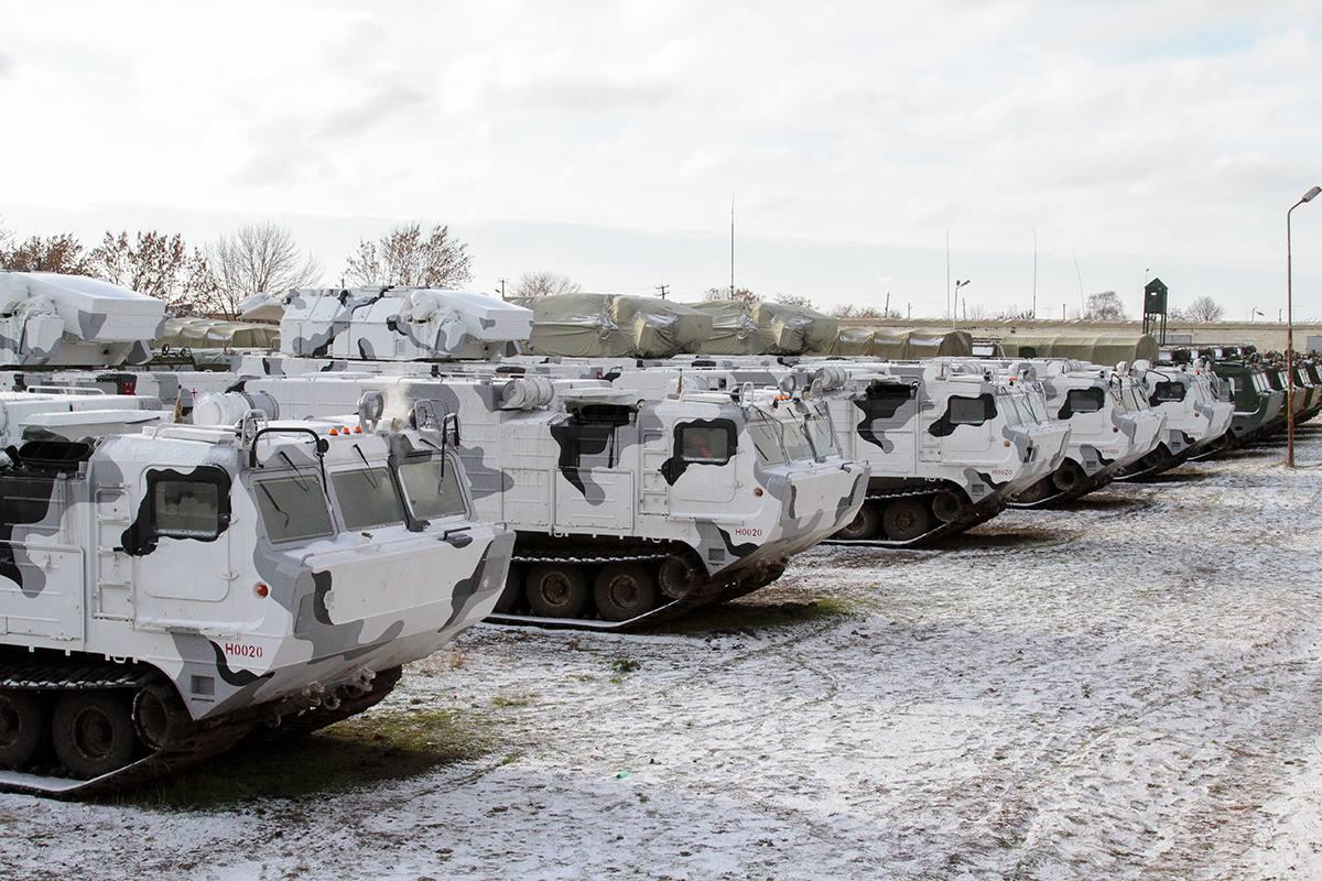 北极部队涂装俄罗斯道尔M2D防空导弹亮相