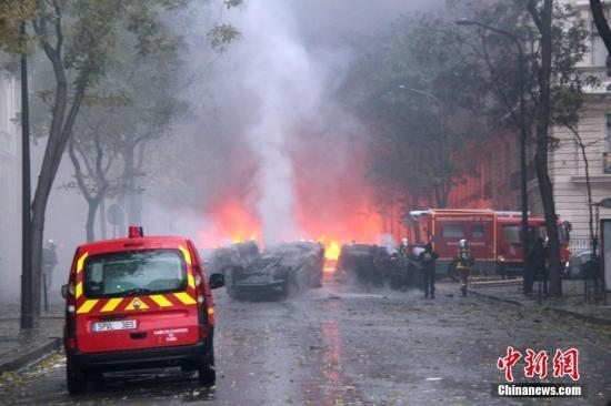 民众抗议变打砸抢 法国遭遇13年来最严重骚乱