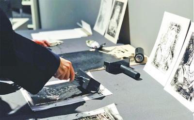 素描手稿再现大师创作构思过程
