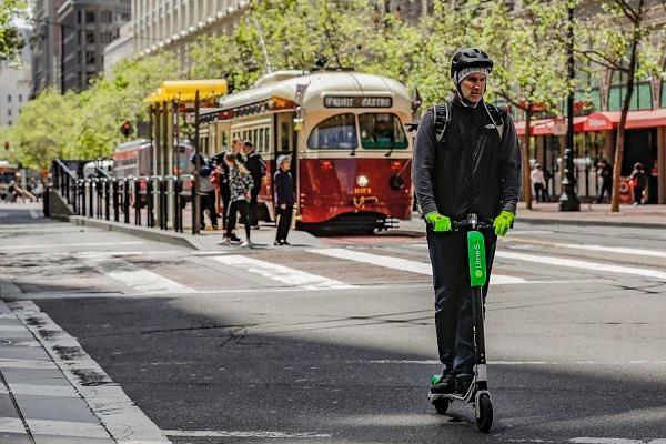 Uber可能会收购共享电动滑板车服务Bird或Lime