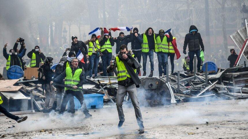 """法国""""黄背心""""运动代表取消与总理会面:出于""""安全原因"""""""