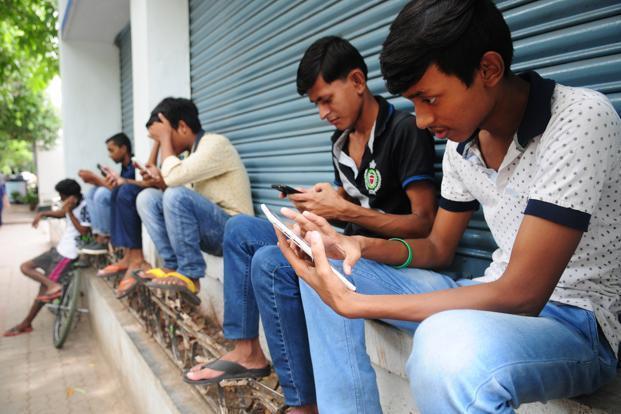 """中国品牌""""霸占""""印度手机市场 智能机用户将翻倍"""