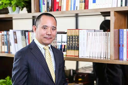 向松祚:中国人民大学财政金融学院教授