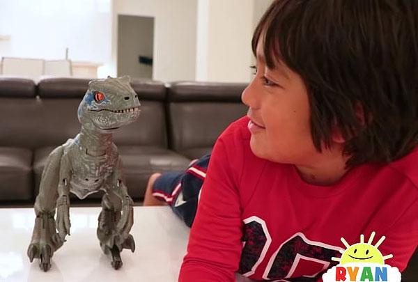 美7岁男童凭借网络玩具测评视频年收入1.5亿元