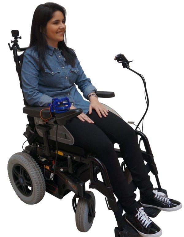 走动未便人群始末面部外情限制本身的轮椅