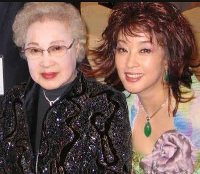 如今95岁高龄的她,被称为世纪美人,风华绝代不减当年