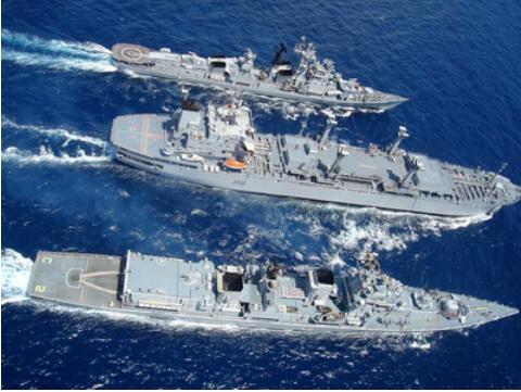 印度海军要扩军,又拿中国作比较