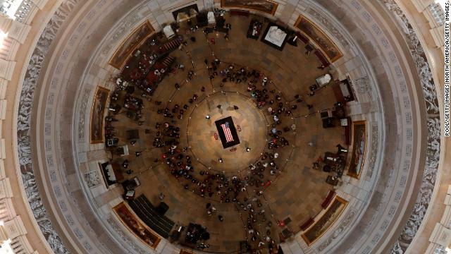 这些人将出席老布什葬礼:美国现任及前任总统及家人、他国政要