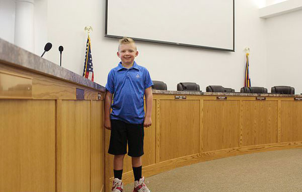 美国9岁男孩说服小镇解除百年打雪仗禁令