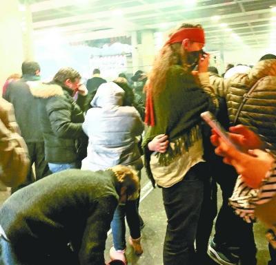 中国留学生图卢兹地铁站亲历骚乱:我那天差点被呛死