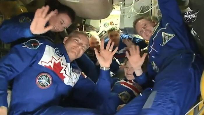 三名船员乘坐俄罗斯联盟号飞船抵达国际空间站