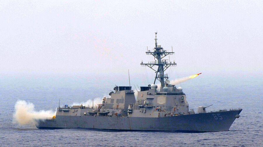俄乌刻赤海峡冲突后,美军舰在俄太平洋舰队基地附近通过