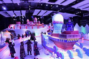"""重庆万盛打造室内冰雪乐园 吸引市民感受""""北国风光"""""""
