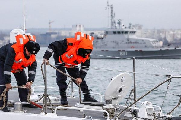 俄罗斯联邦安全局工作人员的一天:克里奇海峡巡航记