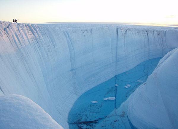 最新研究称格陵兰岛冰盖正以前所未有速度融化