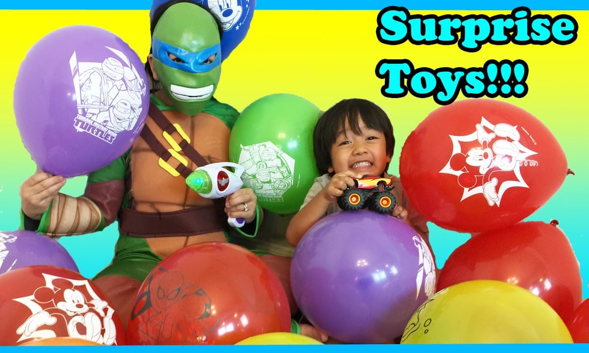 7岁男生测评玩具成人气博主 一年收入高达1.5亿