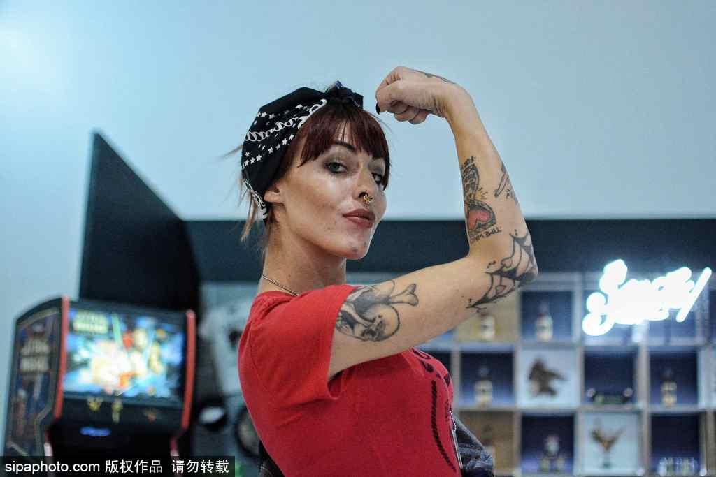 直击2018希腊纹身博览会 爱好者大秀身体艺术