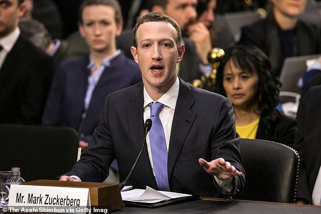 """脸书被曝监听用户电话 员工""""逼宫""""扎克伯格"""
