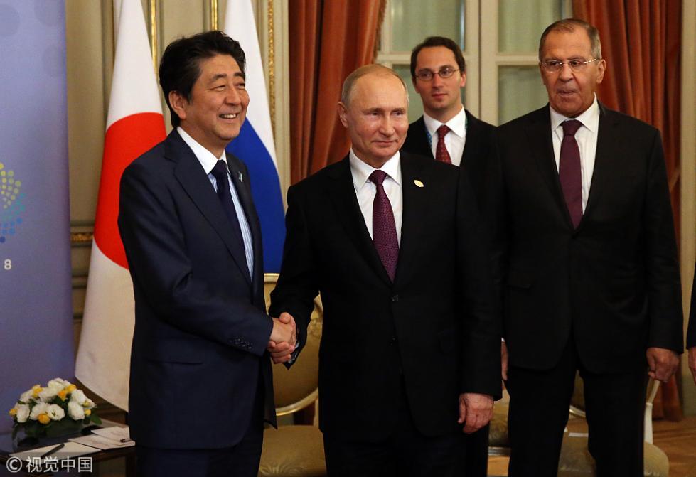 安倍晋三明年初访俄 或签署和平条约解决领土争议