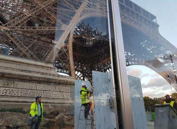 """担心""""黄背心""""示威卷土重来,埃菲尔铁塔、卢浮宫本周六关闭"""