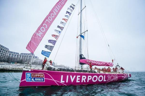 中国货轮在南太平洋解救一英国女帆船手,其被困超50小时