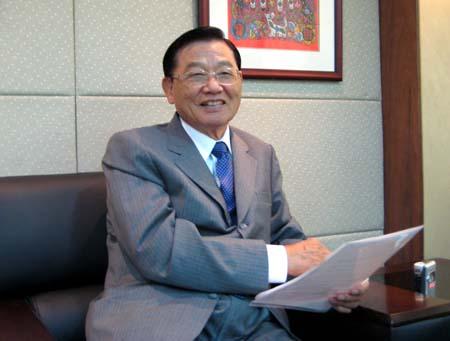 海基会原董事长江丙坤平安结束6小时手术,曾一度无呼吸心跳