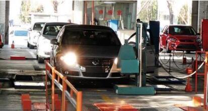"""车辆年检与交通违法处理挂钩 南京""""捆绑式年检""""是否该改了?"""