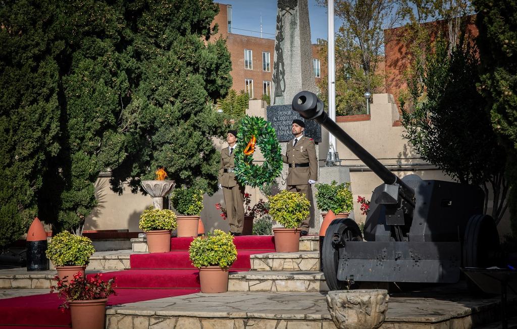 西班牙陆军举行仪式庆祝圣灵感孕节