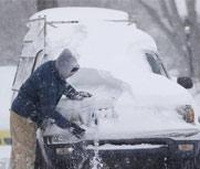 美暴风雪 数千户居民被困家中