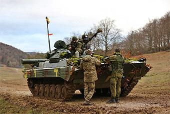 乌克兰军队和格鲁吉亚军队在德国进行训练