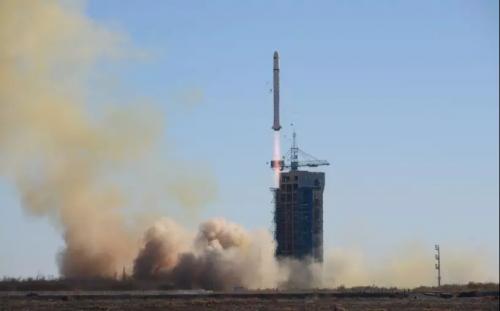 电子科技大学研制的全球首颗双核AI商业卫星成功升空
