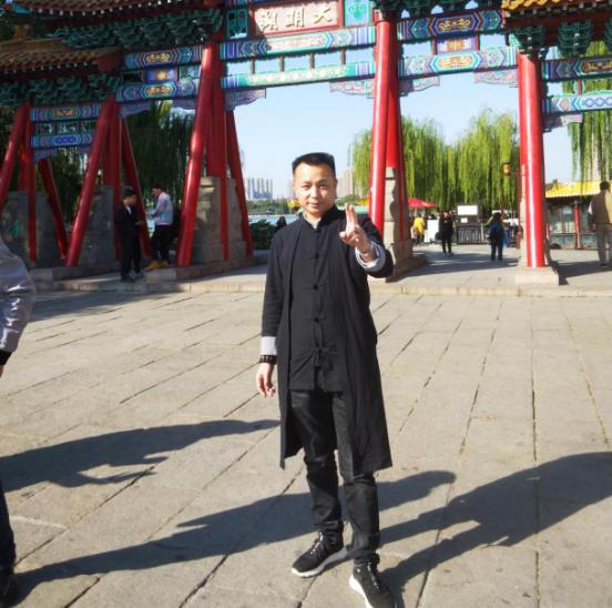 专访成都诗人张勇军:为中国传统文化传承贡献心力