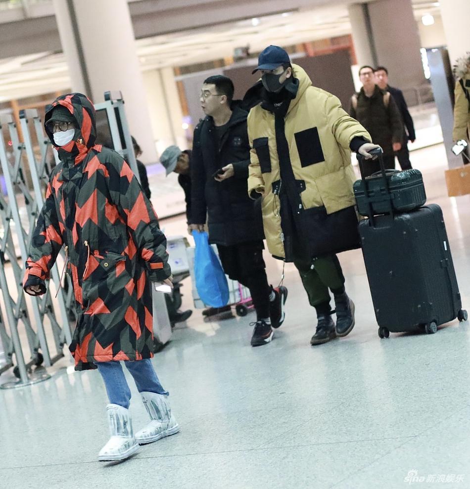 辛芷蕾翟天临现身机场故意分开走 似去女方家见家长?