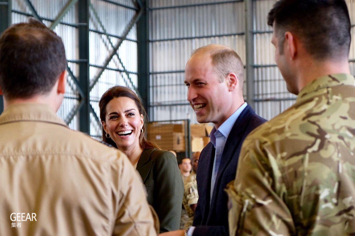 到底凯特王妃穿了什么,让威廉王子笑她像棵圣诞树?