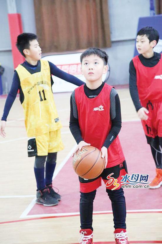 青少年篮球赛烟台开赛