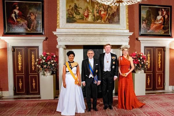 荷兰国王威廉举行国宴 佛得角总统携妻子共同参加