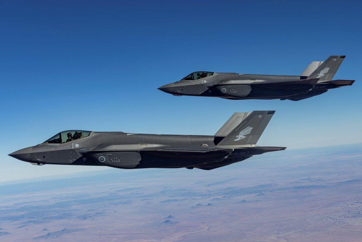 首批两架F-35A战斗机抵澳 曾因购买价格高而备受争议