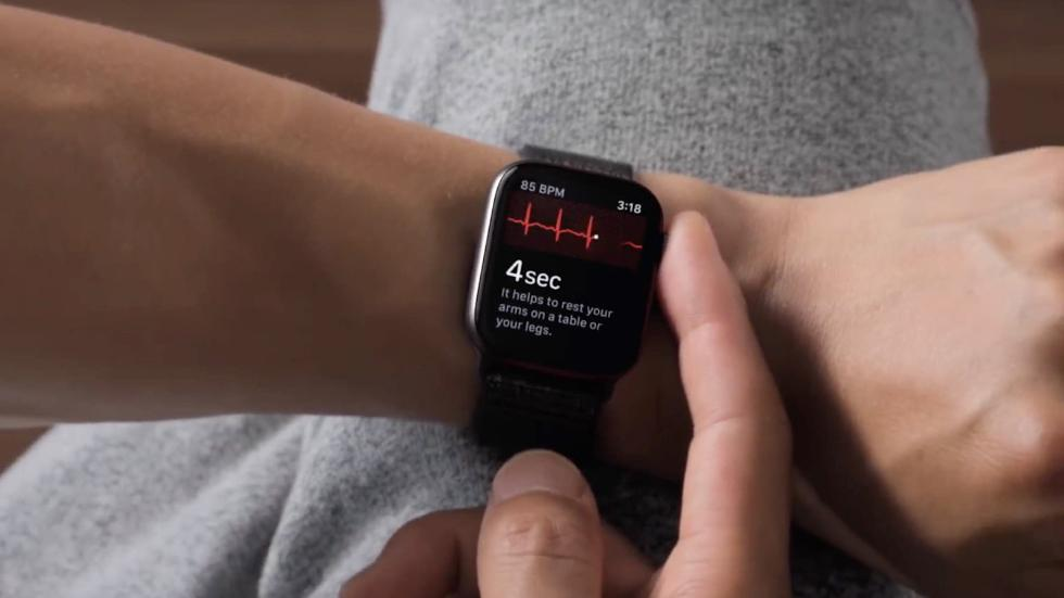 Apple Watch再救人 智能手表为何成为医疗先锋?