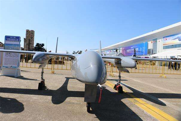 """""""海鹰""""HW-350小型长航时无人机成功首飞"""