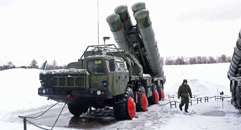俄军远东S400部队首次演练 苏-35战斗机当陪练
